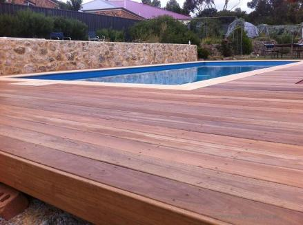 130mm Spotted Gum decking surrounding a pool